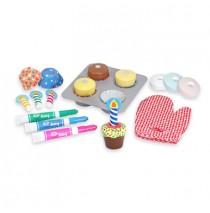 Bake & Decorate Cupcake Set by Melissa & Doug